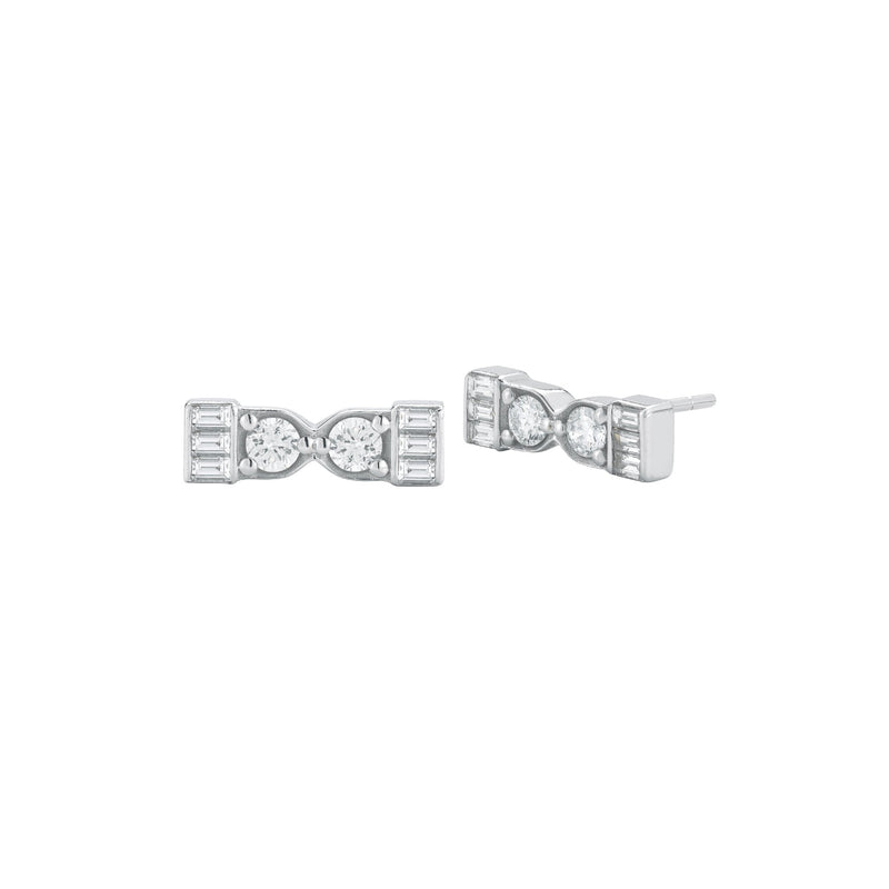 18k white gold stud earrings with white diamond baguettes and round white diamonds.
