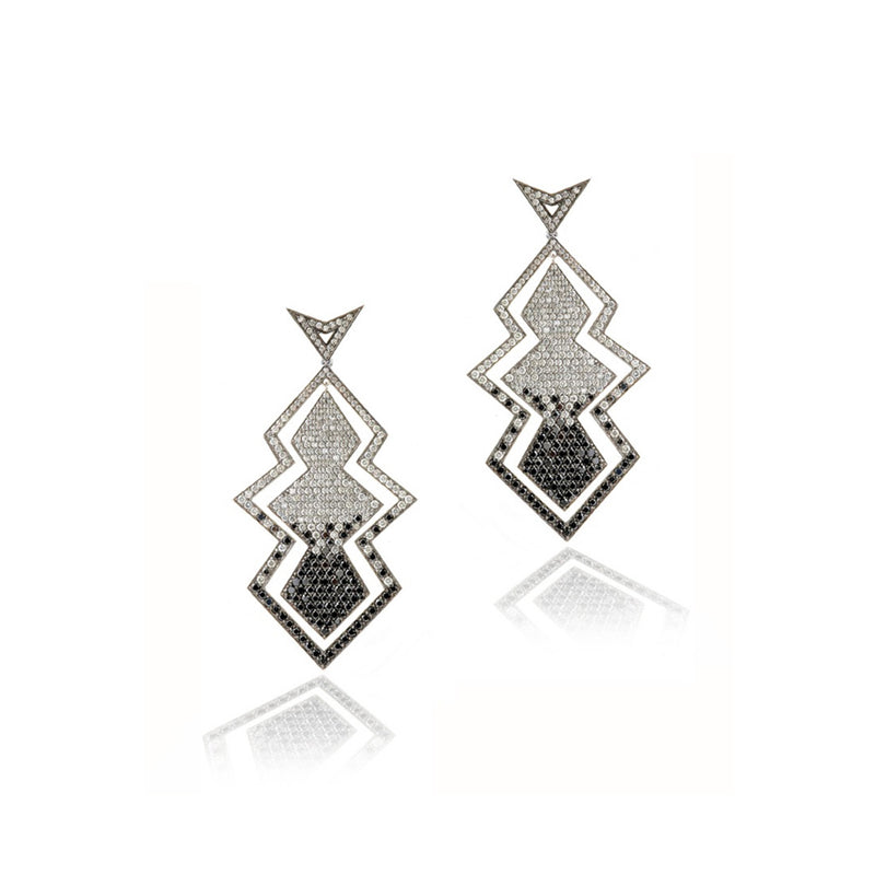 18K white gold earrings paved with black and grey diamonds.
