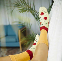 Lade das Bild in den Galerie-Viewer, Pizza Socks - Schmidt's Papeterie