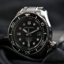 Load image into Gallery viewer, ETA 2824-2 Movt 44mm SBDX001 Homage Black Dial SS Bracelet