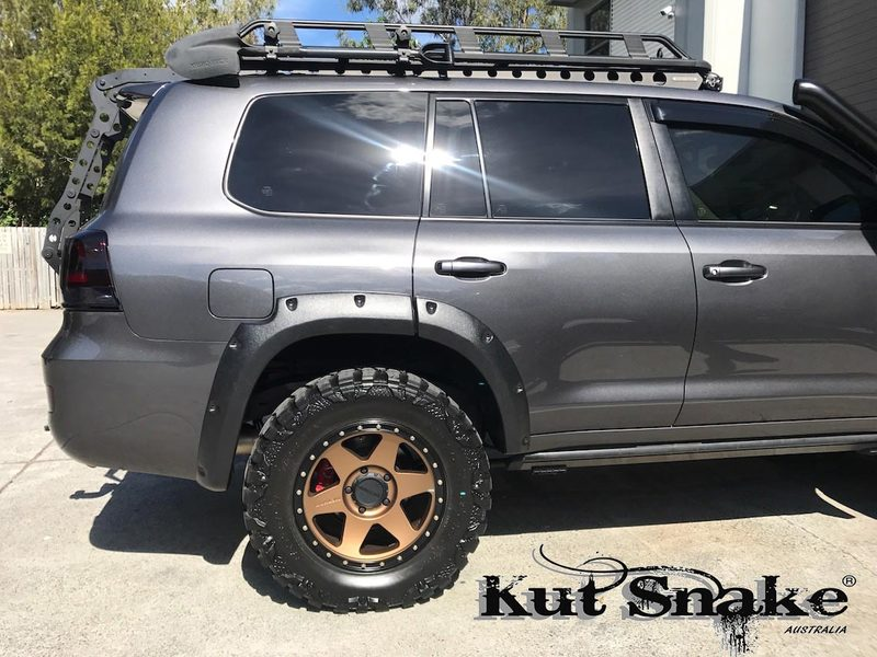 Kut Snake Flares for Toyota Landcruiser 200 Series ABS