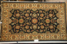 Load image into Gallery viewer, 5 x 8 Tufted Rug