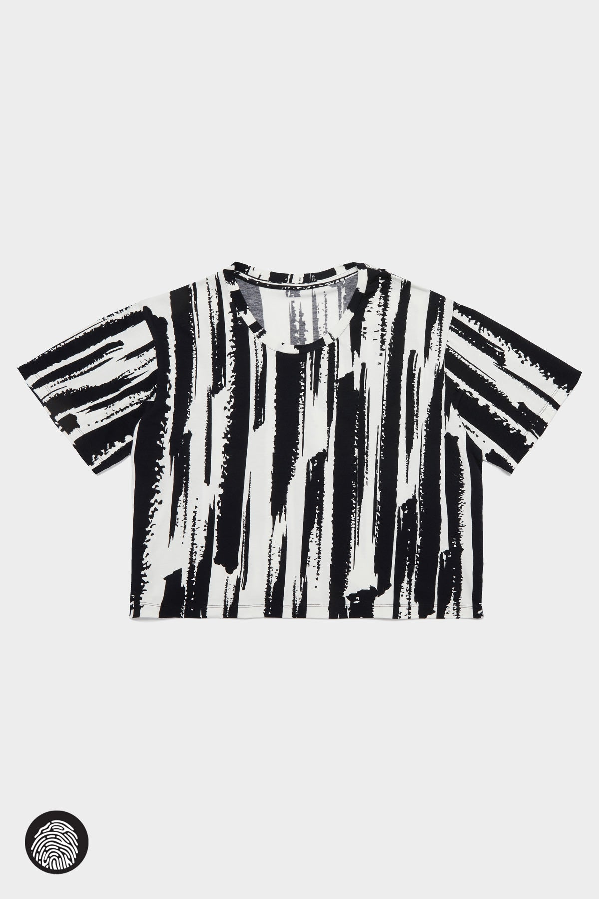 CROPPED T-SHIRT / BRUSH STROKE BLACK | Megan Renee