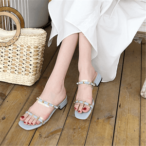 Fashion Wild Rivet Low Heel   Sandals