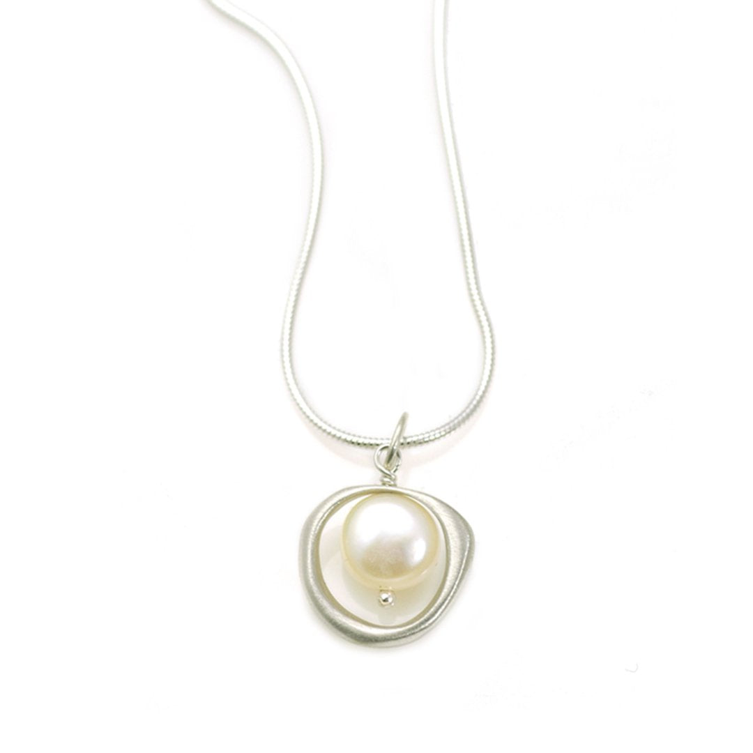 Philippa Roberts - Open Circle With Large Freshwater Pearl Necklace