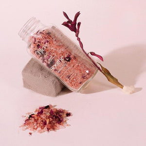 Klei Rose and Coconut Milk Soothe Scented Bath Soak