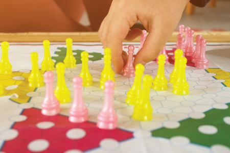 Chines checkers indoor game for kids-Luma world