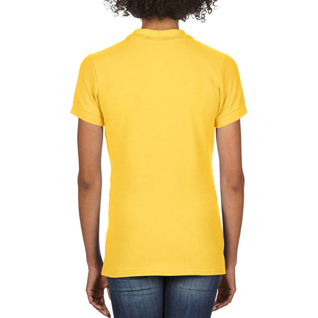 Gelb - Close up - Gildan Damen Premium Polo-Shirt, Kurzarm
