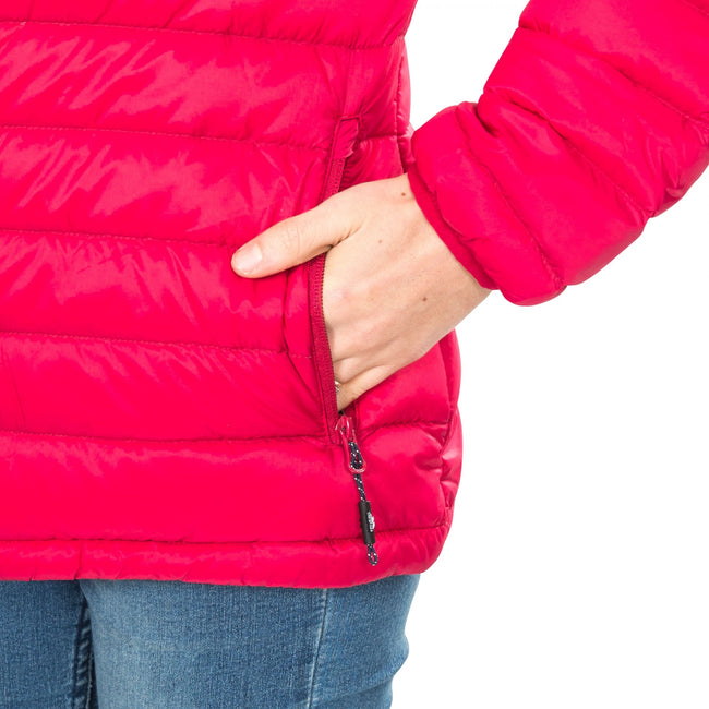 Himbeere - Close up - Trespass Damen Daunenjacke Arabel