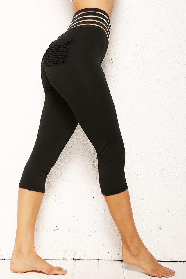 Striped Ruched Booty Pocket Push Up Capri Leggings