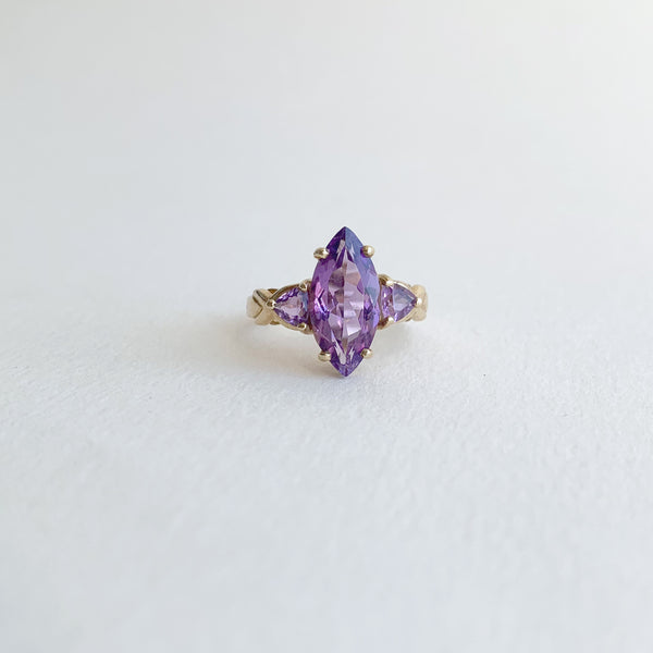 Mid Century Amethyst 3 Stone Marquee Cut 10K Gold Ring
