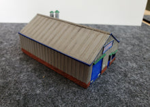 Load image into Gallery viewer, N Gauge Inudtrial Unit with internal detail