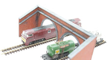 Load image into Gallery viewer, N Gauge Twin Tunnel Portals Style 2