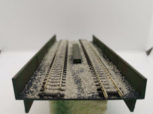 Load image into Gallery viewer, N Gauge Steel / Over Road Bridge