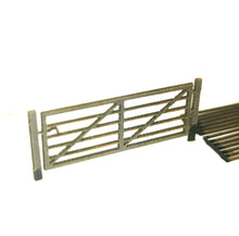 Load image into Gallery viewer, N Gauge Farm Gate Plus Cattle Grids  16 Gates Per Pack