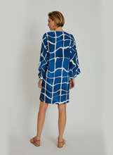 Load image into Gallery viewer, Wide Sleeve Tunic 14766 Movement Lenny V21