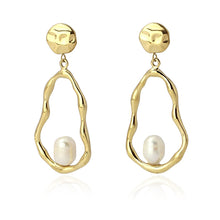Load image into Gallery viewer, Pearl Earrings BPE231