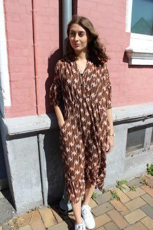 Load image into Gallery viewer, KAROLINE-DRESS - BROWN