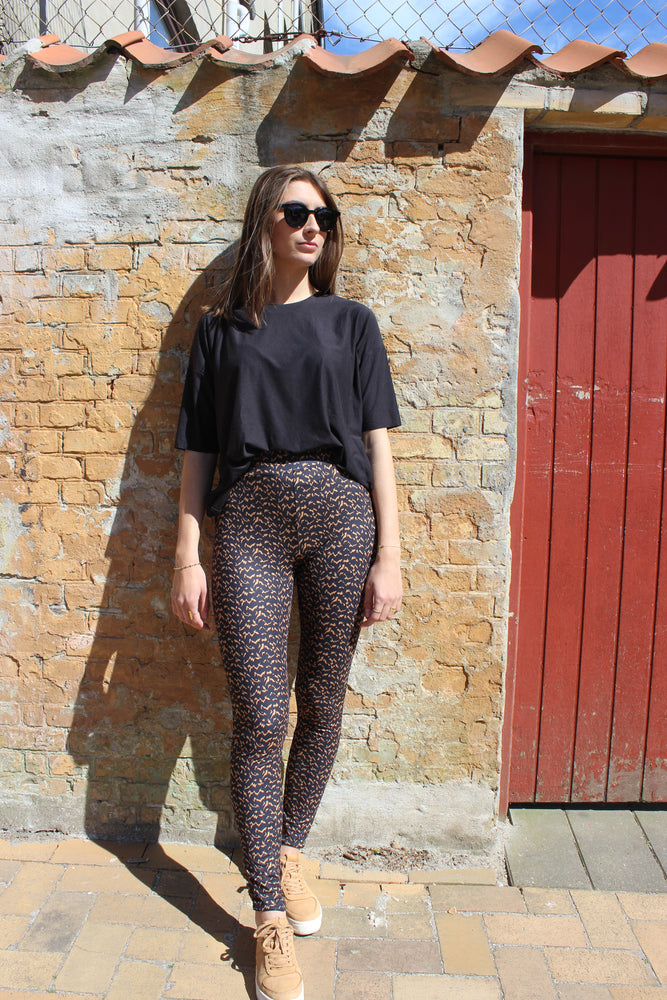 Load image into Gallery viewer, ALMA-LEGGINGS - BLURRED LINES