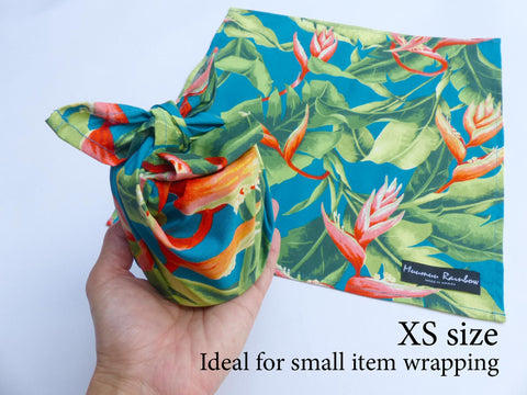 small gift wrapping