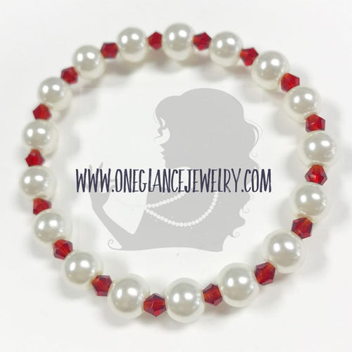 Pearl with red crystal stretch bracelet