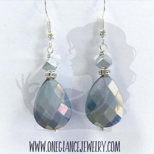 Teardrop earrings, GRAY