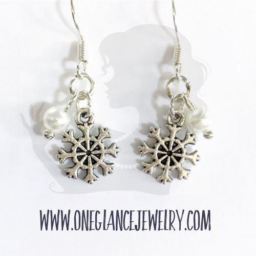 Earrings, mini snowflake
