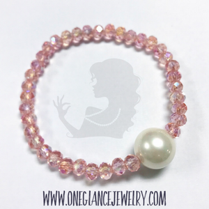 Pink with pearl stretch bracelet