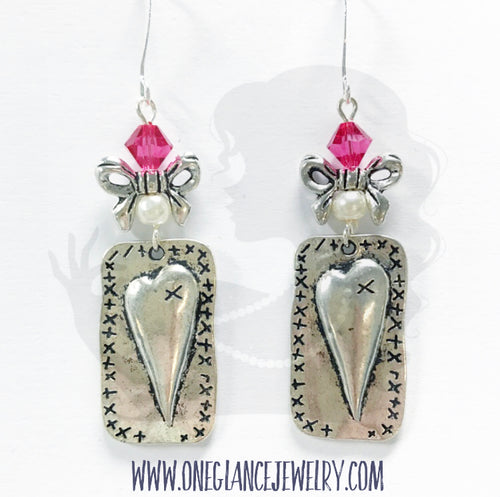 Heart with bow and pink Swarovski and pearl earring