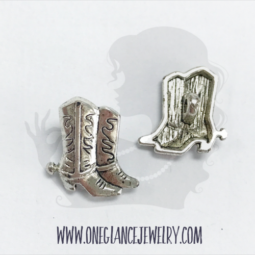 Pewter boot button, shank style