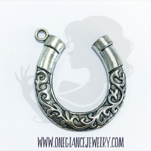 Pewter horseshoe pendant