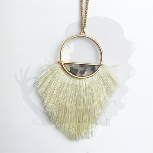 Tassel necklace with decorative bracket, CREAM