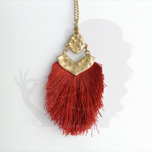 Medium tassel necklace with decorative bracket, RUST