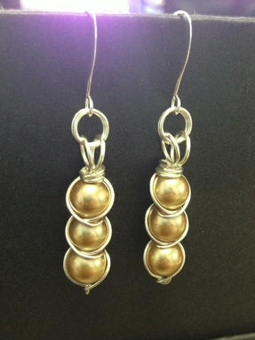 Criss cross wire wrapping class, Wednesday 3/25, 12-2pm