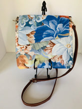 Load image into Gallery viewer, Tory Crossbody