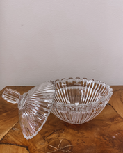Load image into Gallery viewer, Crystal Dish With Lid