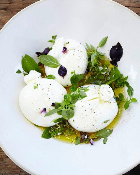 History of Burrata - One of The Dairy Masterpieces of The South