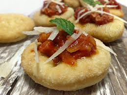 Fried pizzas with amatriciana sauce