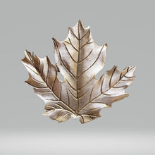 Load image into Gallery viewer, Pewter Brooch (Maple Leaf) | Broche en étain (Feuille d'érable)