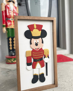 Nutcracker Sign