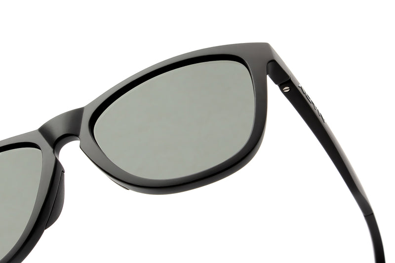Activ One - Matte Blk w. Photochromic Lens