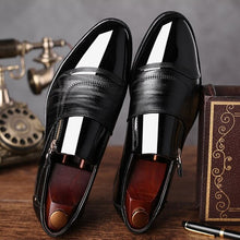 Load image into Gallery viewer, New European  British gentleman PU leather men's Shoes business Pointed Toe Mens Dress  is wearing Glossy leather shoes