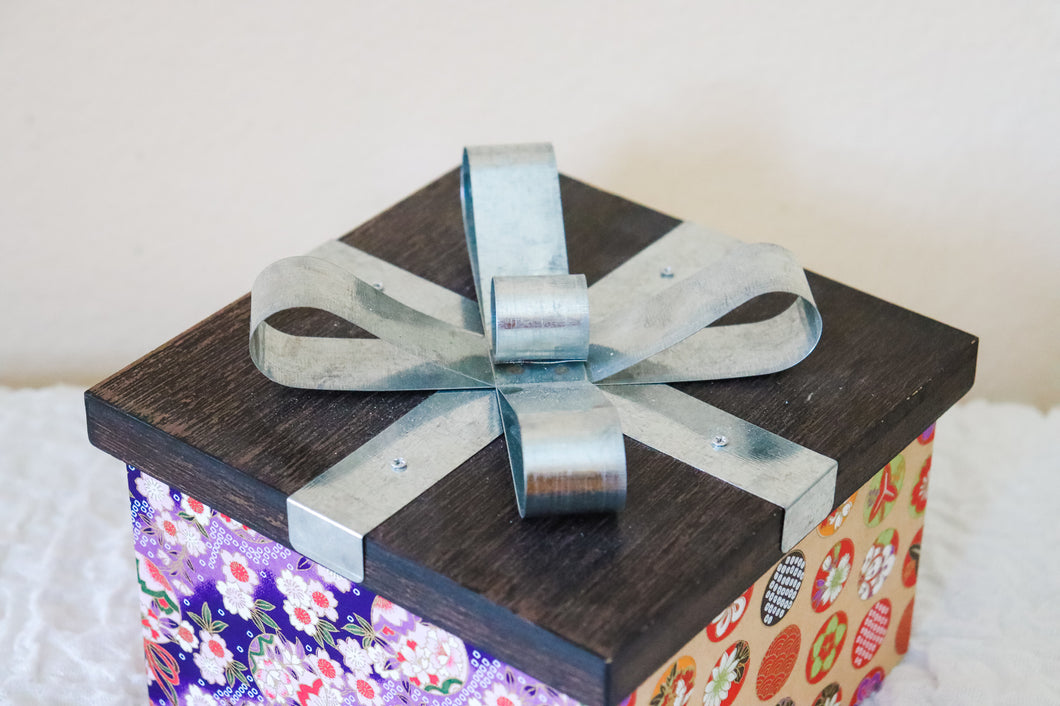 Blossoms and Geometry - Christmas Present Box