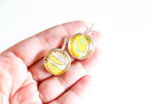 Load image into Gallery viewer, Sakura Bunch - Washi Paper Earrings