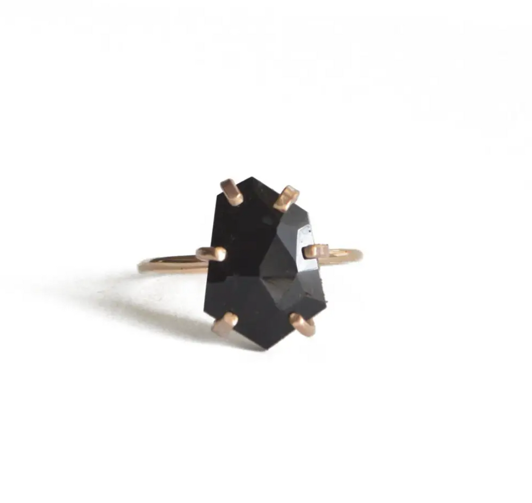 Rose Cut Onyx Ring in Gold size 7