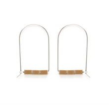 Load image into Gallery viewer, cambre earrings