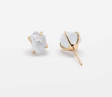 Load image into Gallery viewer, Aquamarine Quartz Gold Claw Stud