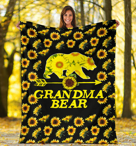 GRANDMA BEAR FLEECE BLANKET