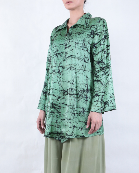 Batik COLLAR BLOUSE in Forest Green/Black Crackle