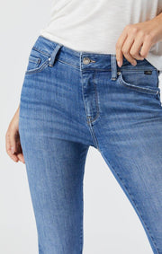 MAVI TESS JEANS IN MID RIPPED FEATHER BLUE CLOSE UP